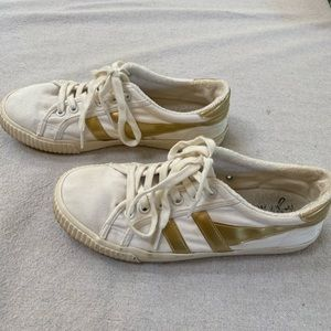 Gola Shoes - Gola ivory with gold detail canvas tennis shoe.